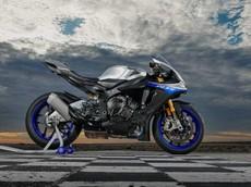 Vừa ra mắt vào năm 2015, siêu mô tô Yamaha R1 có thể sẽ phải được thiết kế lại hoàn toàn do quy định khí thải