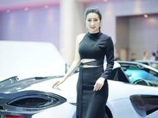 Dàn người đẹp nóng bỏng trong gian hàng của McLaren tại triển lãm Bangkok 2019