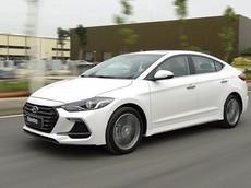 Hyundai Elantra được giảm giá sâu tại đại lý để đẩy hàng tồn
