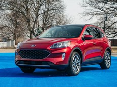 Đánh giá nhanh Ford Escape 2020: Thông minh hơn, rộng rãi hơn, thiết kế giống Focus mới
