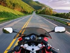 """Tổng hợp những """"cú lừa"""" ngày Cá tháng Tư hài hước nhất liên quan đến xe mô tô"""
