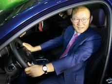 Huấn luyện viên Park Hang-seo tiếp tục được tặng ô tô, lần này là Hyundai Santa Fe 2019
