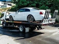 Hàng loạt ô tô hạng sang và xe Harley-Davidson mạ vàng của thành viên CLB mô tô bị cảnh sát tịch thu