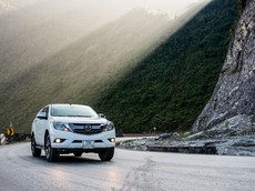 Mazda Việt Nam tặng phụ kiện và hỗ trợ 50% phí trước bạ cho khách hàng mua bán tải Mazda BT-50