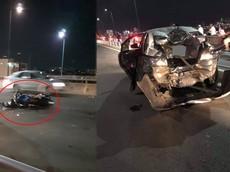 """Thủ Đức: Toyota Vios bị xe mô tô """"vò nát"""" trên cầu Bình Lợi"""