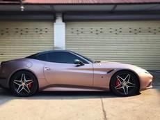 """Doanh nhân Hà Nội thay """"xiêm y"""" cho Ferrari California T mui trần mới mua nhận được sự khen ngợi"""