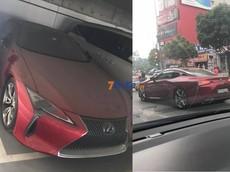 Sau nhiều tháng nằm phủ bụi tại toà nhà ở Hà Nội, Lexus LC 500 độc nhất Việt Nam cũng đã có biển số