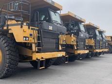 Đoàn xe siêu trọng 70 tấn giả giấy phép nối đuôi nhau trên quốc lộ