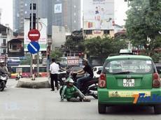 7 thói quen xấu có thể gây tai nạn của người Việt khi đi xe máy