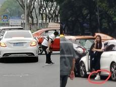 Nữ tài xế điều khiển xe sang Mercedes-Benz C-Class gây tai nạn liên hoàn khiến ít nhất 13 người bị thương