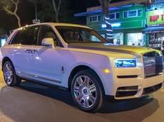 """Sức hút của Rolls-Royce Cullinan đầu tiên về Việt Nam quá lớn, đi đến đâu chủ nhân cũng """"mệt mỏi"""""""