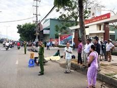 Đà Nẵng: Nam thanh niên 14 tuổi chở bạn trên xe máy tử vong khi tự đâm vào vỉa hè