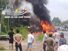 Đồng Nai: Ô tô khách 16 chỗ cháy trơ khung, bé trai 14 tuổi chết thảm trong xe
