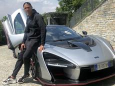 Sau tin đồn mua chiếc xe đắt nhất thế giới Bugatti La Voiture Noire, Cristiano Ronaldo tậu McLaren Senna
