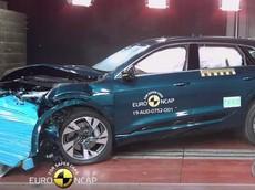 SUV hạng sang Audi e-tron dễ dàng nhận 5 sao an toàn từ Euro NCAP