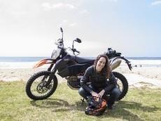 Grace McDonald - Nữ biker Úc chạy xe KTM 690 Enduro R vòng quanh thế giới đã đến Việt Nam