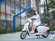 """Bộ ba """"hot-mom"""" Hà thành khoe dáng bên xe điện VinFast Klara"""