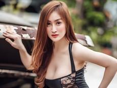 Người mẫu Thái Lan diện đồ đen bó sát, lấp ló sườn vòng ngực khủng cùng xế cổ