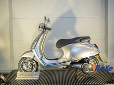 Xe máy điện thông minh Vespa Elettrica bất ngờ được trưng bày tại Hà Nội