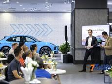 Porsche Macan 2019 chính thức ra mắt tại Việt Nam, đồng hành cùng với máy ảnh cao cấp Leica