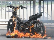 Xăng giả gây ảnh hưởng xấu như thế nào đến động cơ xe máy?