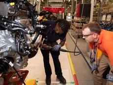 Đây là cách vận hành của dây chuyền sản xuất những chiếc xe Volvo S60