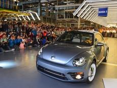 Cái chết của một Biểu tượng: Chiếc Volkswagen Beetle cuối cùng lăn bánh khỏi dây chuyền lắp ráp