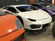 """Cảnh sát """"đánh sập"""" cơ sở sản xuất xe Ferrari và Lamborghini nhái"""