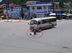 Bắc Kạn: Vượt đèn đỏ, người đàn ông đi xe máy nhận ngay hậu quả