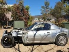 """Khó có thể nhận ra chiếc xe độ kiểu """"hot rod"""" này vốn là một chiếc Mazda Miata"""