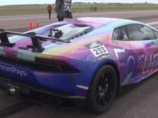 Chứng kiến chiếc Lamborghini Huracan độ 3.000 mã lực đạt tốc độ 400 km/h dễ như đi đạo