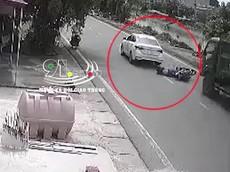 Nam Định: Hyundai Accent vượt ẩu khiến người đi xe máy bị ô tô tải cuốn vào gầm
