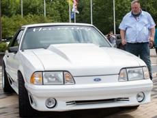 Người đàn ông hội ngộ với chiếc Ford Mustang mà ông từng bán để lấy tiền chữa bệnh cho vợ