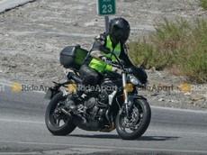 Naked bike Triumph Street Triple 2020 trang bị động cơ mạnh mẽ hơn
