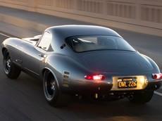 Sau 8 năm miệt mài, một kỹ sư đã tạo ra bản sao cực kỳ chi tiết của Jaguar E-Type Low Drag Coupe