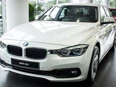 """Giải phóng hàng tồn, đại lý """"khô máu"""" giảm giá BMW 320i tới 275 triệu đồng"""