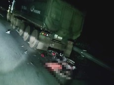 Yên Bái: Chạy xe máy vào cao tốc Nội Bài - Lào Cai, hai thanh niên va chạm với xe tải tử vong tại chỗ