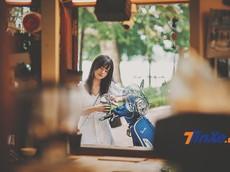 """Vespa GTS 150 iGet lãng mạn cùng """"nàng thơ"""" trong gió thu Hà Thành"""