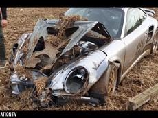 Đây là bộ dạng tan nát của chiếc Porsche 911 độ gần 1.800 mã lực sau khi va chạm ở tốc độ 145 km/h