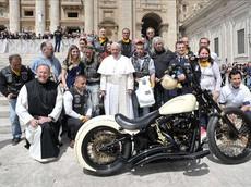 Xe Harley-Davidson có chữ ký cùa Giáo hoàng Francis có giá bán dự kiến lên đến 2,8 tỷ đồng