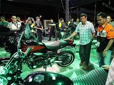 Tổng thống Duterte của Philippines gặp tai nạn trên xe mô tô phân khối lớn