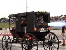 Đây là chiếc xe ngựa trang bị... động cơ phản lực đầu tiên trên thế giới