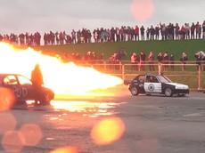 """Chứng kiến khả năng """"khạc lửa siêu khủng"""" của chiếc Peugeot trang bị động cơ phản lực"""