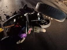 Thái Nguyên: Người đi xe máy nhập viện vì bị bánh xe ben văng trúng