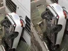 Ô tô lao xuống mái tôn nhà dân, tài xế làm điều đó như thế nào?