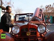 Phục người thợ mộc Trung Quốc dùng gỗ chế tạo bản sao xe cổ Mercedes-Benz 500K 1934