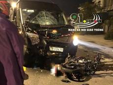Nghệ An: Yamaha Exciter đối đầu xe đưa đón học sinh, 2 thanh niên tử vong tại chỗ