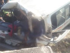 Nghệ An: Xe chở đoàn người khuyết tật tông vào vách núi, 2 người tử vong, 4 người bị thương nặng