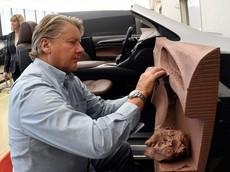 Máy móc chưa thể thay thế con người làm những công việc này trong ngành ô tô