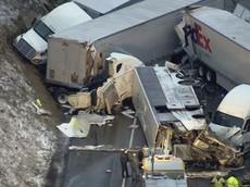 Xe buýt lật ở vận tốc 112 km/h, gây tai nạn liên hoàn khiến 65 người thương vong